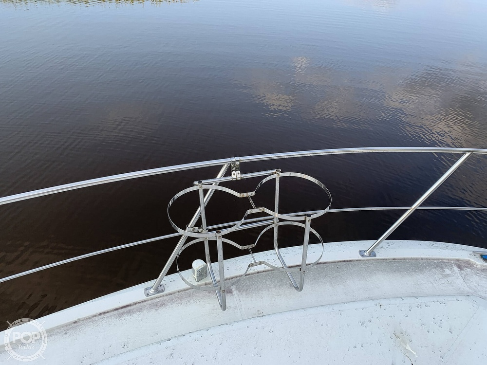 1994 Carver boat for sale, model of the boat is 390 Aft Cabin & Image # 10 of 40