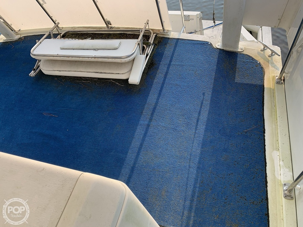 1994 Carver boat for sale, model of the boat is 390 Aft Cabin & Image # 15 of 40