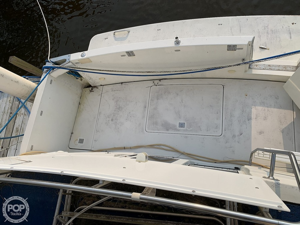 1994 Carver boat for sale, model of the boat is 390 Aft Cabin & Image # 17 of 40