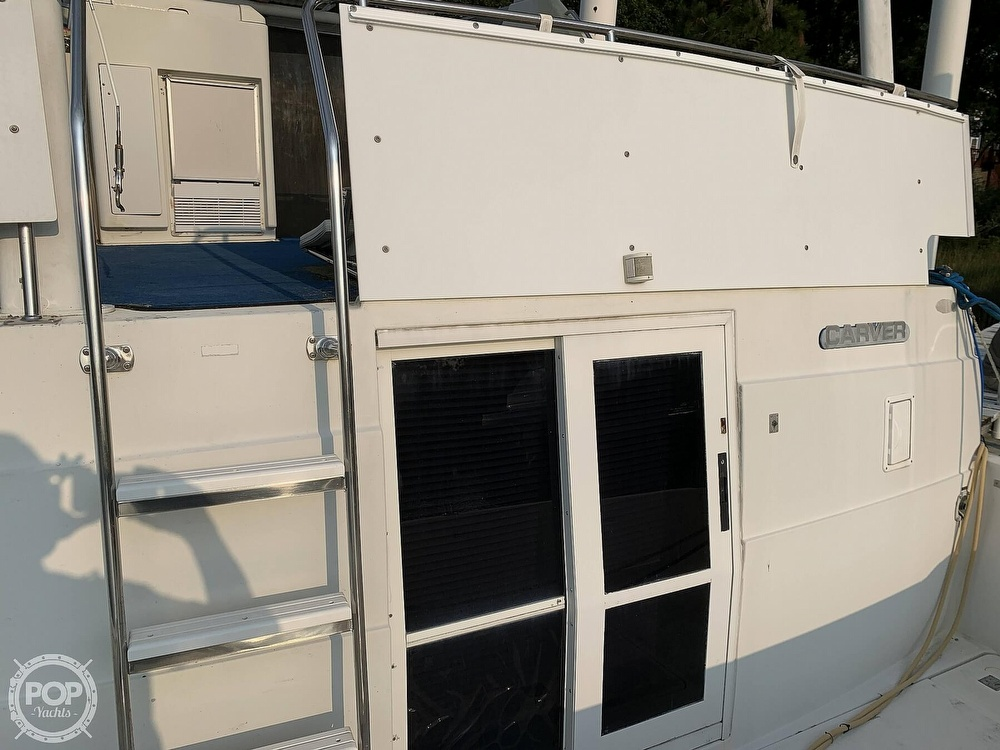 1994 Carver boat for sale, model of the boat is 390 Aft Cabin & Image # 20 of 40