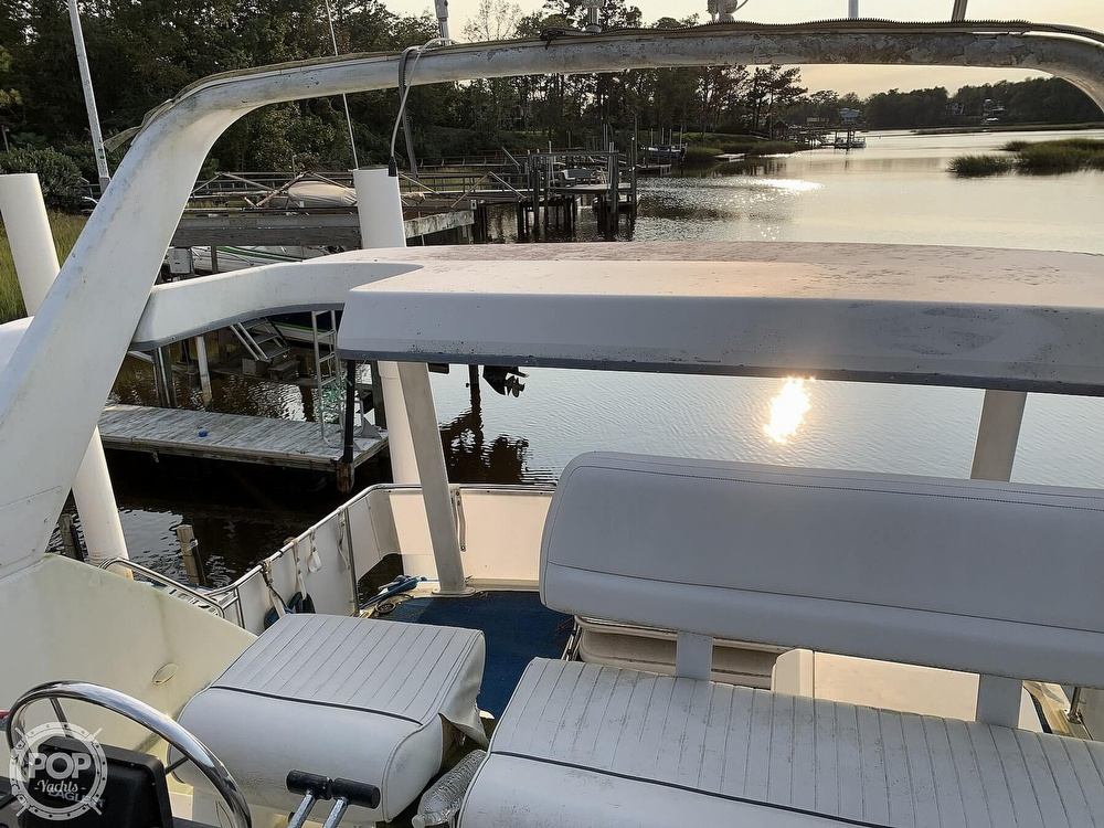 1994 Carver boat for sale, model of the boat is 390 Aft Cabin & Image # 35 of 40