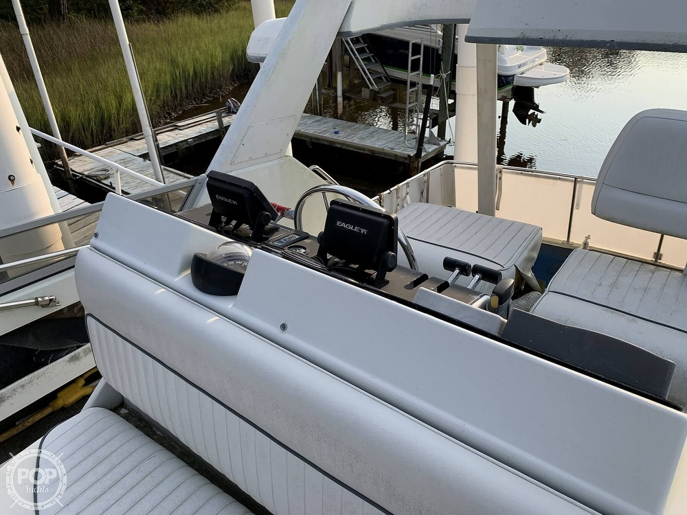 1994 Carver boat for sale, model of the boat is 390 Aft Cabin & Image # 36 of 40