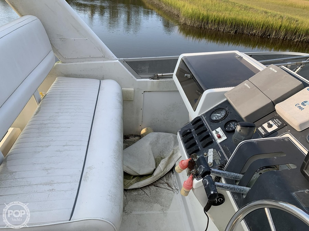 1994 Carver boat for sale, model of the boat is 390 Aft Cabin & Image # 38 of 40