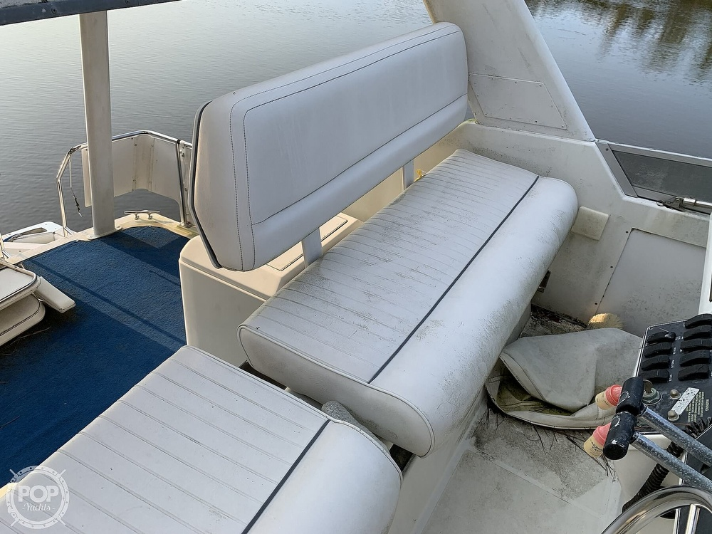 1994 Carver boat for sale, model of the boat is 390 Aft Cabin & Image # 39 of 40