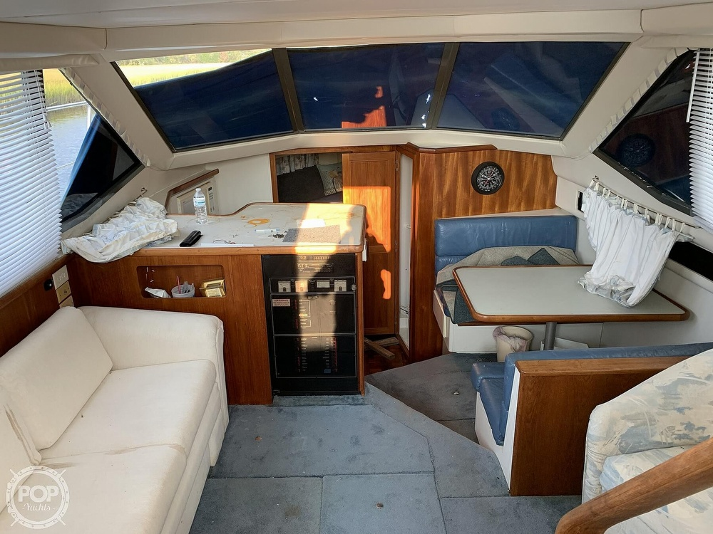 1994 Carver boat for sale, model of the boat is 390 Aft Cabin & Image # 40 of 40