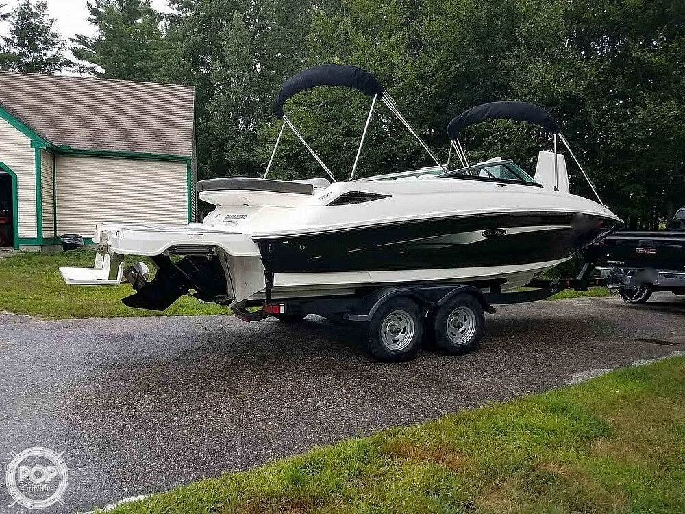 2016 Sea Ray boat for sale, model of the boat is 220 Sundeck & Image # 18 of 21