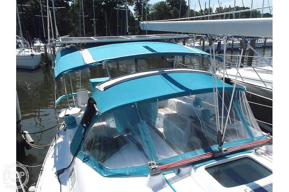 2004 Beneteau boat for sale, model of the boat is 361 & Image # 29 of 40