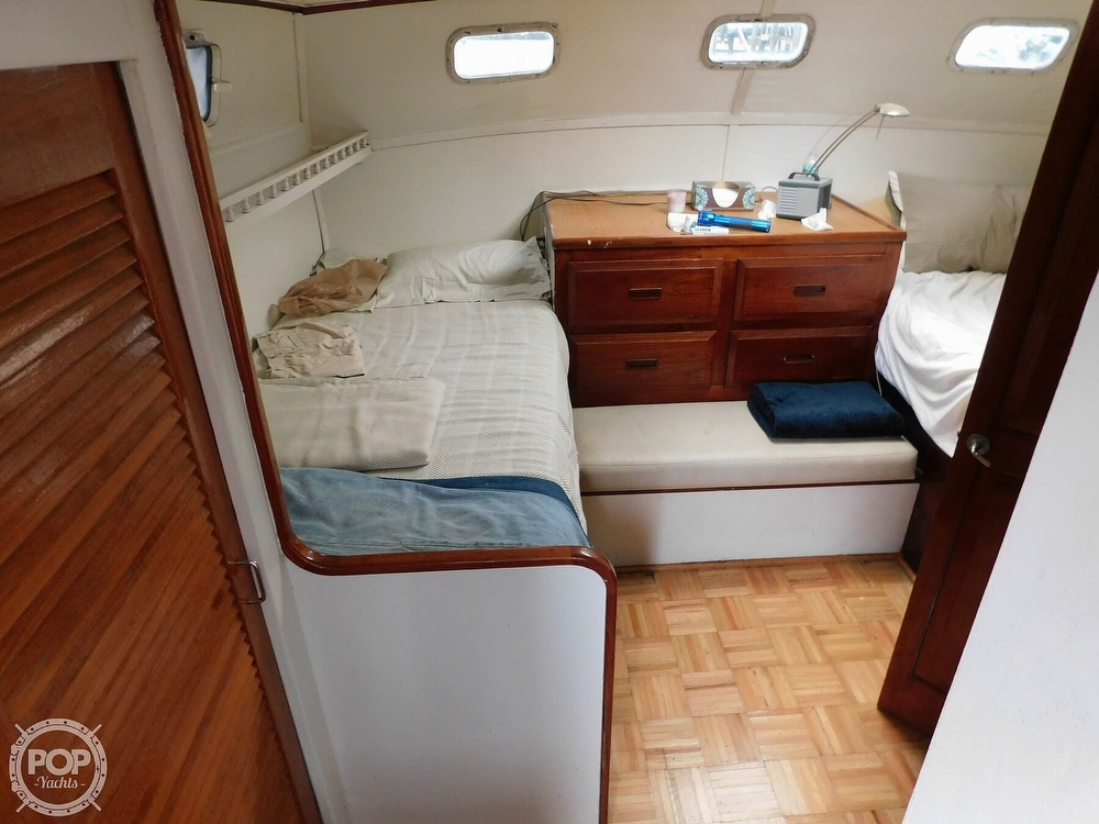 1976 Gulfstar boat for sale, model of the boat is 43 Mark II & Image # 13 of 40