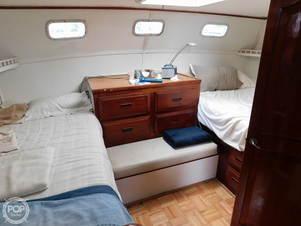 1976 Gulfstar boat for sale, model of the boat is 43 Mark II & Image # 14 of 40