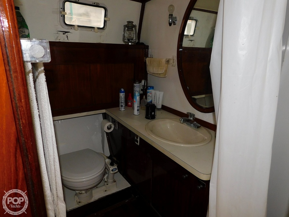 1976 Gulfstar boat for sale, model of the boat is 43 Mark II & Image # 20 of 40