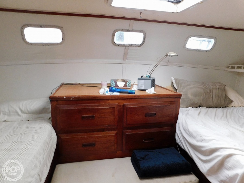 1976 Gulfstar boat for sale, model of the boat is 43 Mark II & Image # 22 of 40