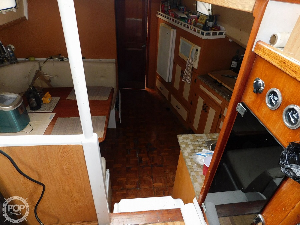 1976 Gulfstar boat for sale, model of the boat is 43 Mark II & Image # 31 of 40