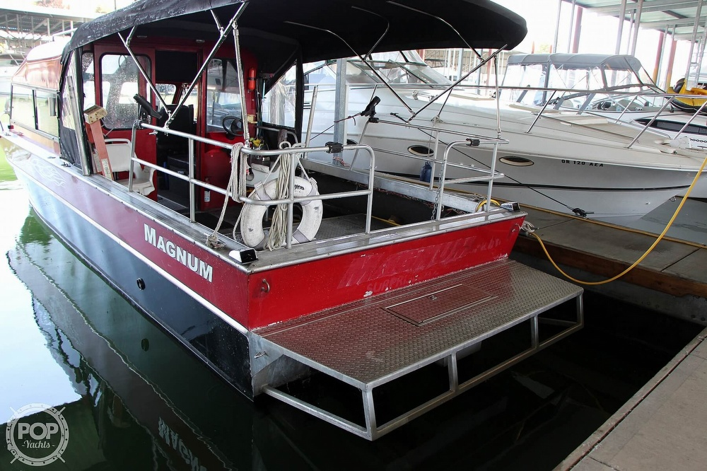 2005 Magnum Marine boat for sale, model of the boat is 28 & Image # 2 of 40
