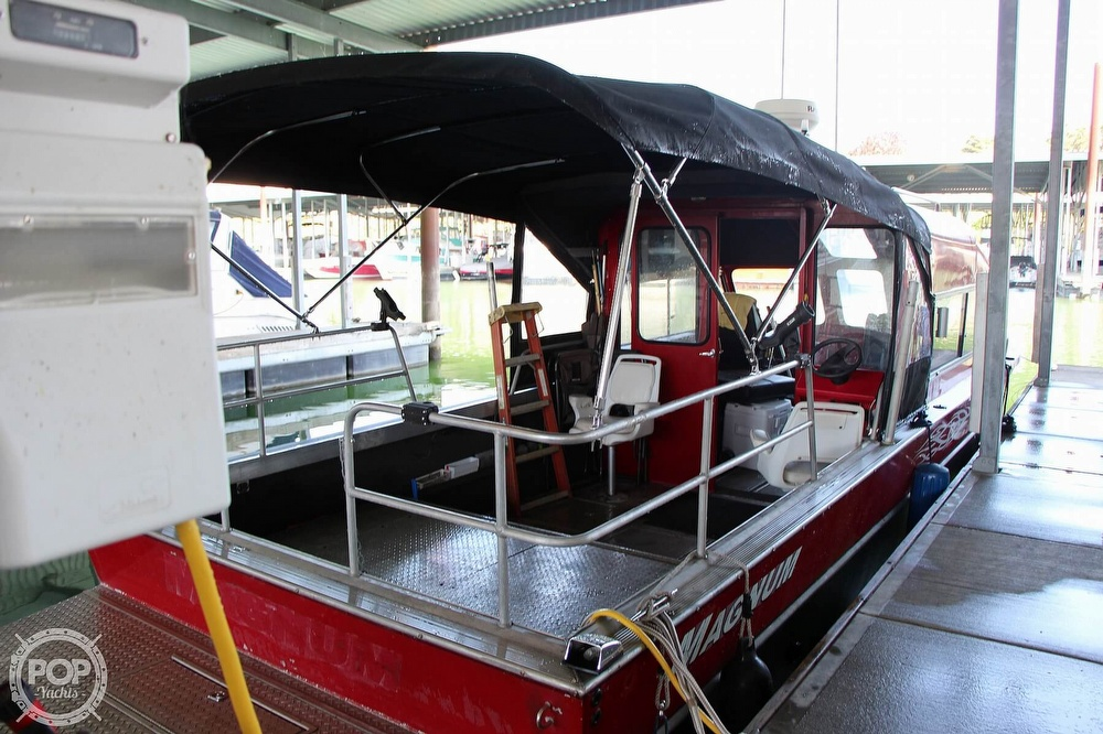 2005 Magnum Marine boat for sale, model of the boat is 28 & Image # 4 of 40