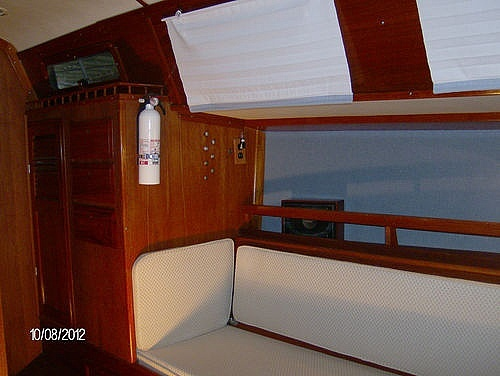 1976 Columbia boat for sale, model of the boat is 8.7 Meter & Image # 9 of 40