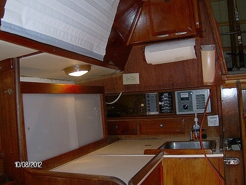 1976 Columbia boat for sale, model of the boat is 8.7 Meter & Image # 10 of 40