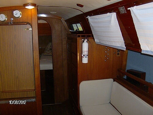 1976 Columbia boat for sale, model of the boat is 8.7 Meter & Image # 11 of 40