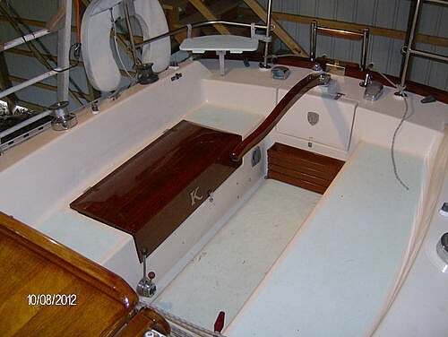 1976 Columbia boat for sale, model of the boat is 8.7 Meter & Image # 13 of 40