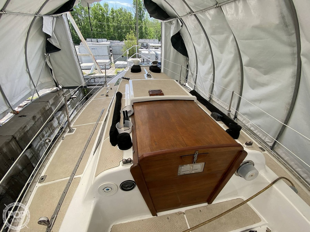 1976 Columbia boat for sale, model of the boat is 8.7 Meter & Image # 25 of 40