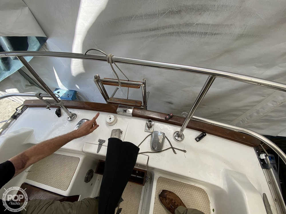 1976 Columbia boat for sale, model of the boat is 8.7 Meter & Image # 29 of 40