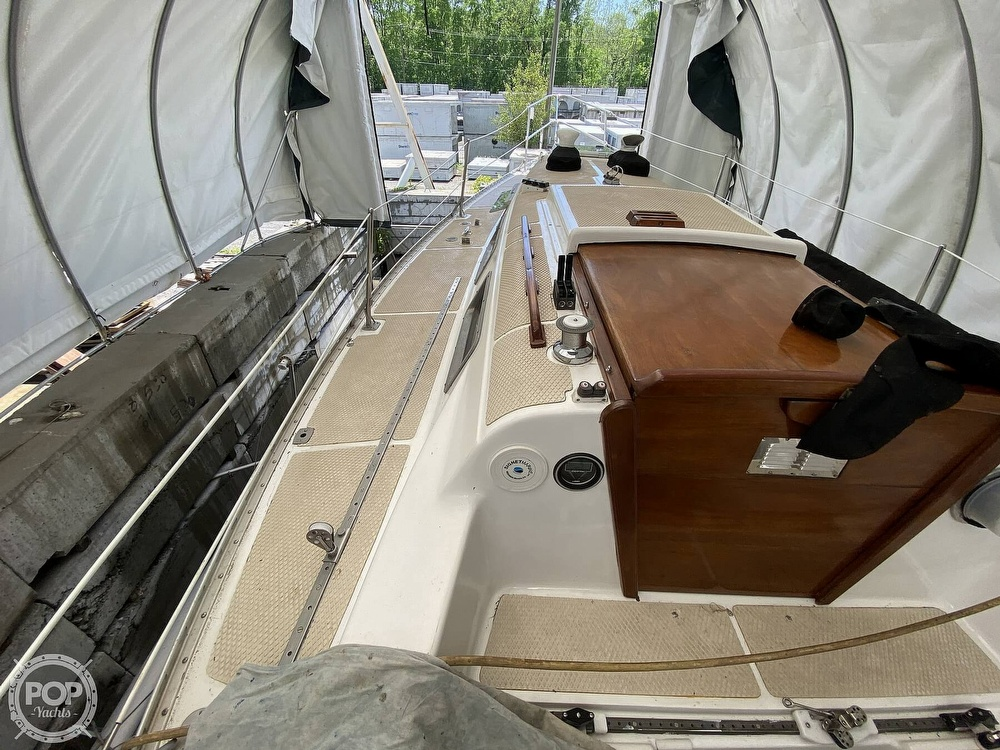 1976 Columbia boat for sale, model of the boat is 8.7 Meter & Image # 32 of 40