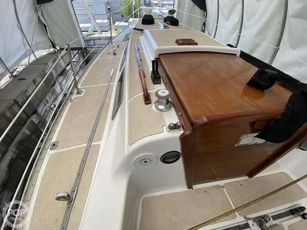 1976 Columbia boat for sale, model of the boat is 8.7 Meter & Image # 33 of 40