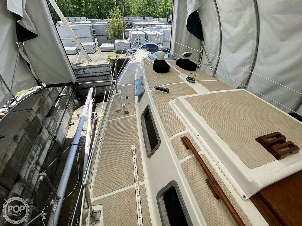 1976 Columbia boat for sale, model of the boat is 8.7 Meter & Image # 34 of 40