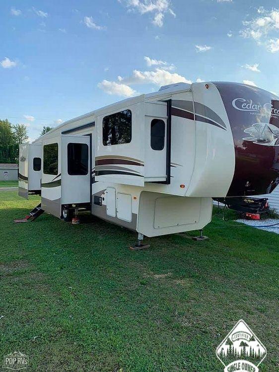 2018 Cedar Creek 38FLX Hathaway Edition - #$LI_INDEX