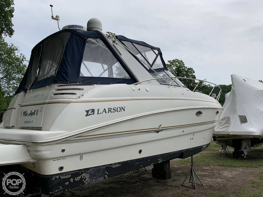 2005 Larson boat for sale, model of the boat is Cabrio 330 & Image # 20 of 40