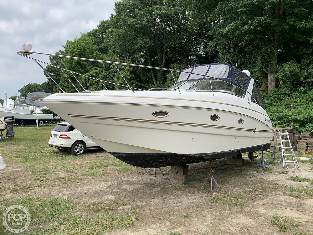 2005 Larson boat for sale, model of the boat is Cabrio 330 & Image # 19 of 40