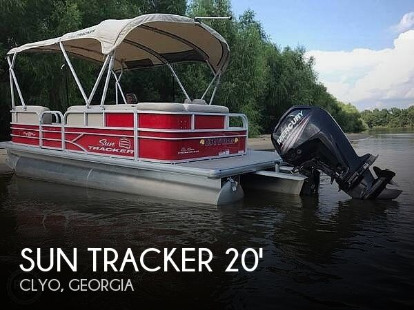 Used Pontoon Boats For Sale in Georgia by owner | 2017 20 foot Sun Tracker DLX Party Barge