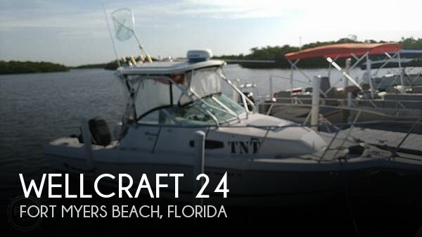 Used Wellcraft Boats For Sale in Cape Coral, Florida by owner | 2001 Wellcraft 24