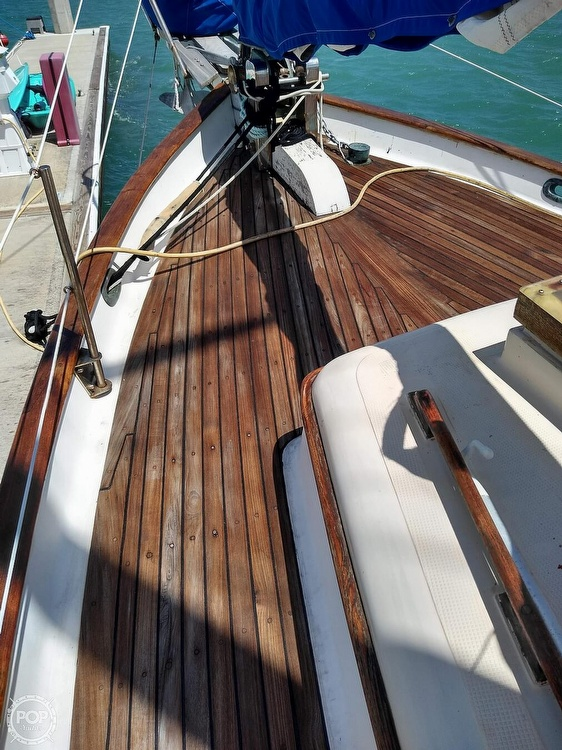 1979 Union boat for sale, model of the boat is Polaris 36 Cutter & Image # 23 of 40
