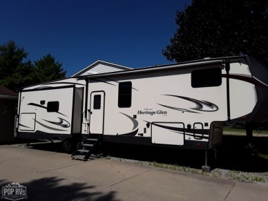 2017 Heritage Glen 368RLBHK - #1