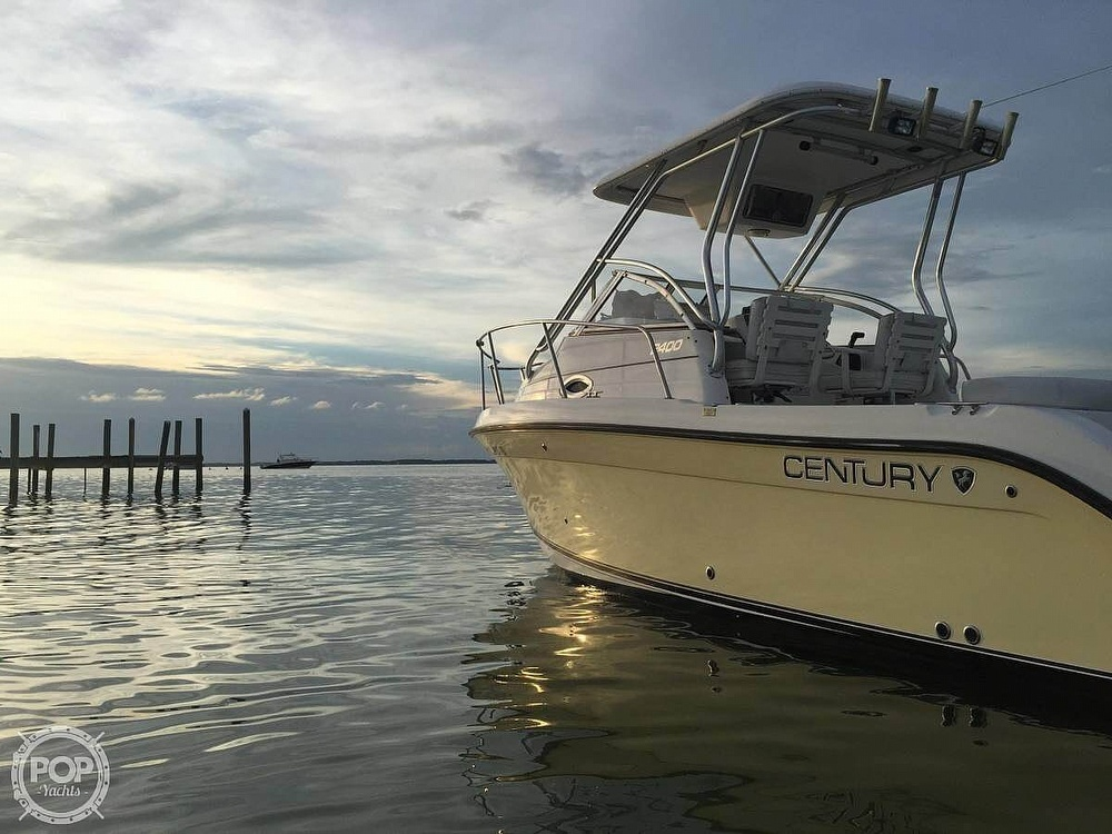 2006 Century boat for sale, model of the boat is 2400WA & Image # 3 of 6