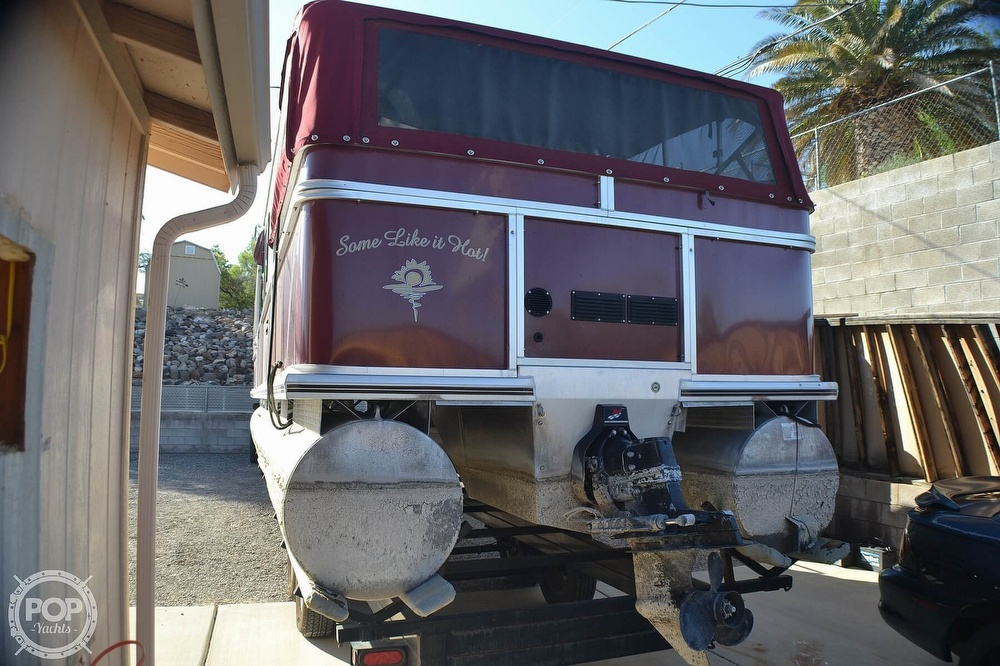 2001 Sun Tracker boat for sale, model of the boat is 32 Party Cruiser & Image # 3 of 40