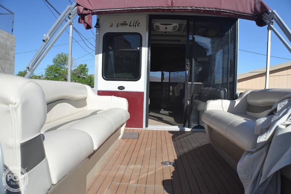 2001 Sun Tracker boat for sale, model of the boat is 32 Party Cruiser & Image # 7 of 40