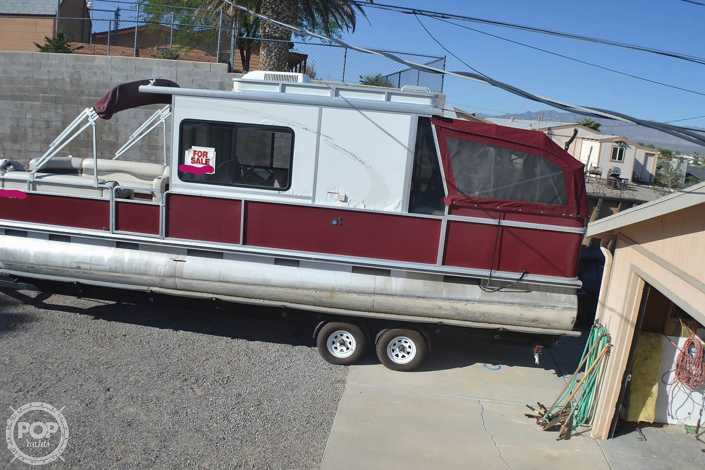 2001 Sun Tracker boat for sale, model of the boat is 32 Party Cruiser & Image # 2 of 40