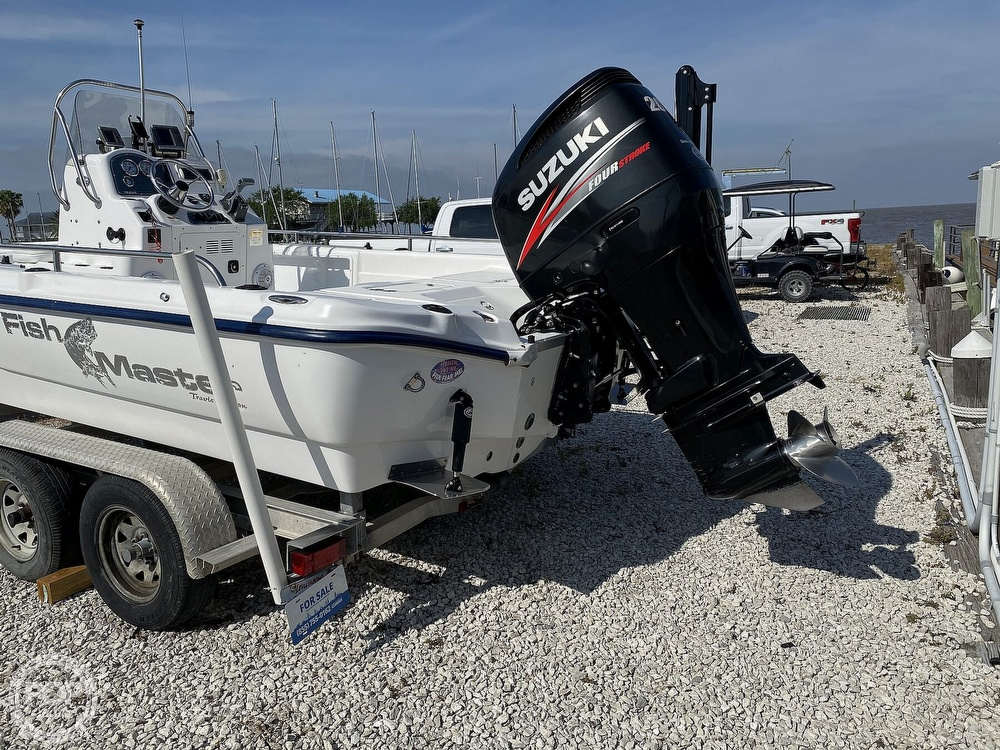 2004 Fish Master boat for sale, model of the boat is 2250 CC Travis Edition & Image # 9 of 41