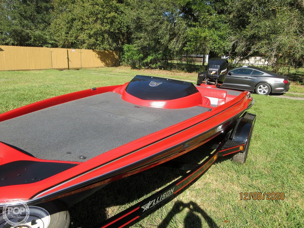 1994 Allison boat for sale, model of the boat is 2003 XB & Image # 5 of 41