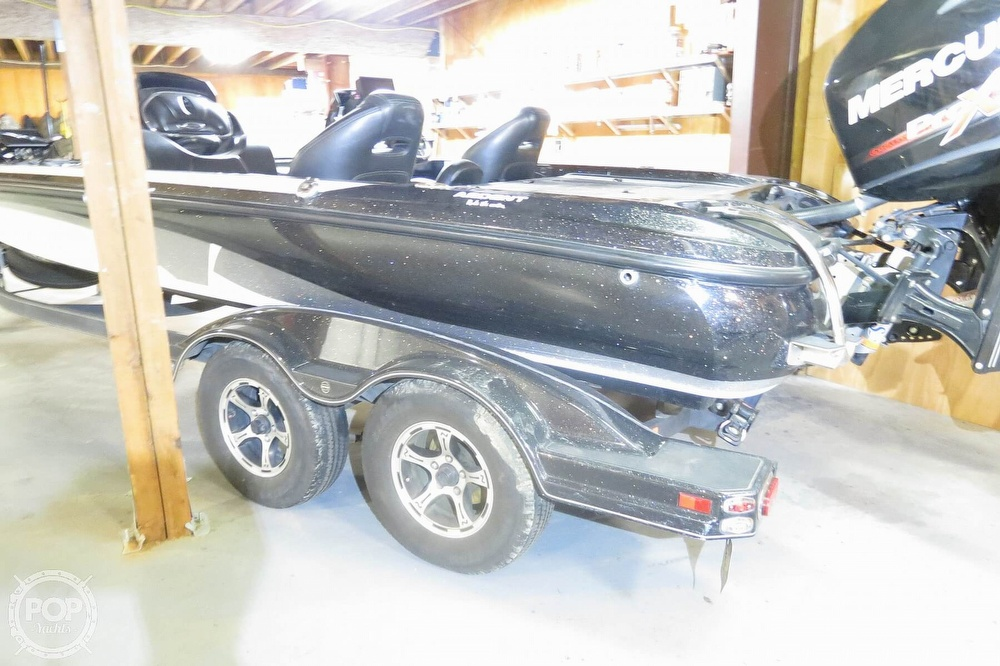 2017 Nitro boat for sale, model of the boat is Z21 & Image # 14 of 41
