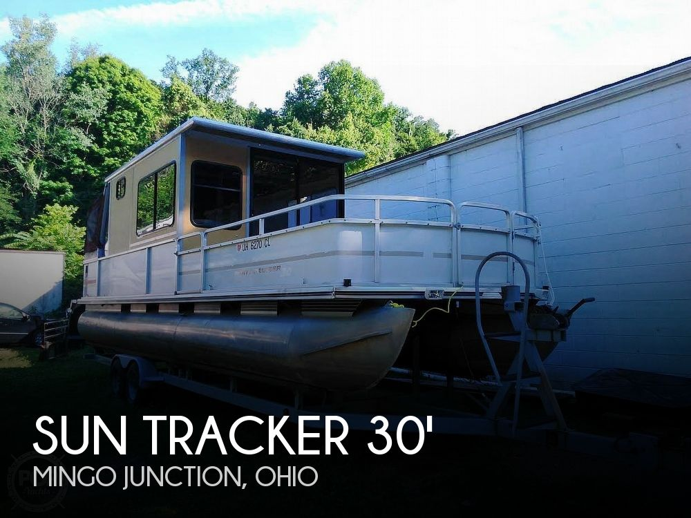 Used SunTracker Boats For Sale in Ohio by owner | 1999 Sun Tracker PC30 Party Barge