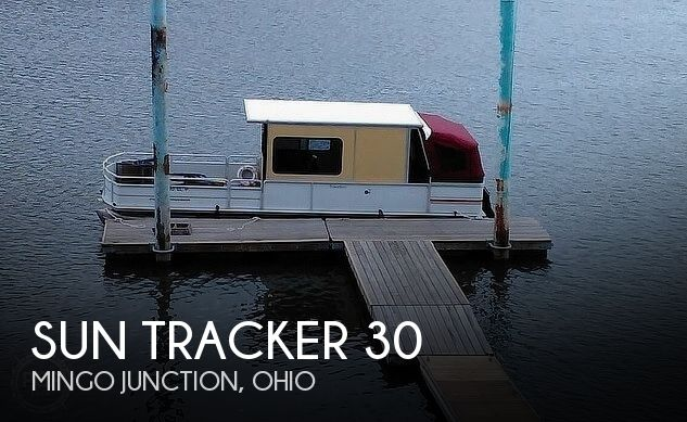 1999 Sun Tracker boat for sale, model of the boat is PC30 Party Cruiser & Image # 1 of 26