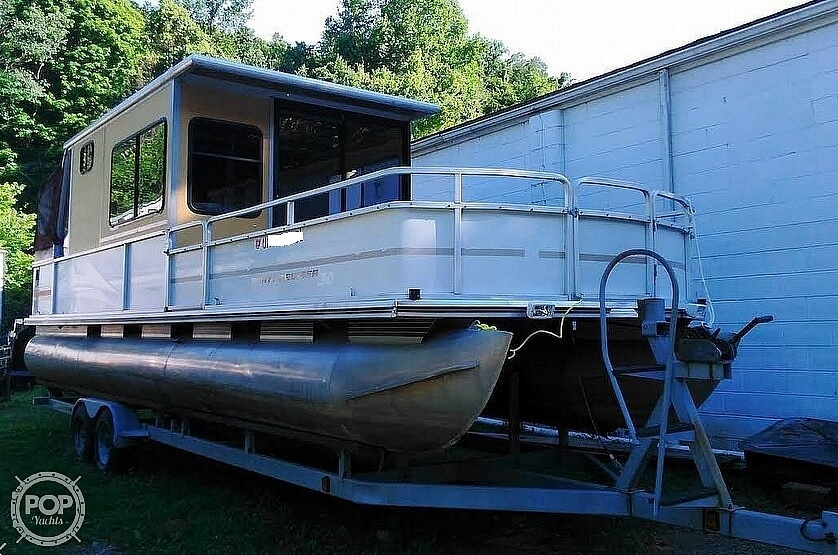 1999 Sun Tracker boat for sale, model of the boat is PC30 Party Cruiser & Image # 2 of 26