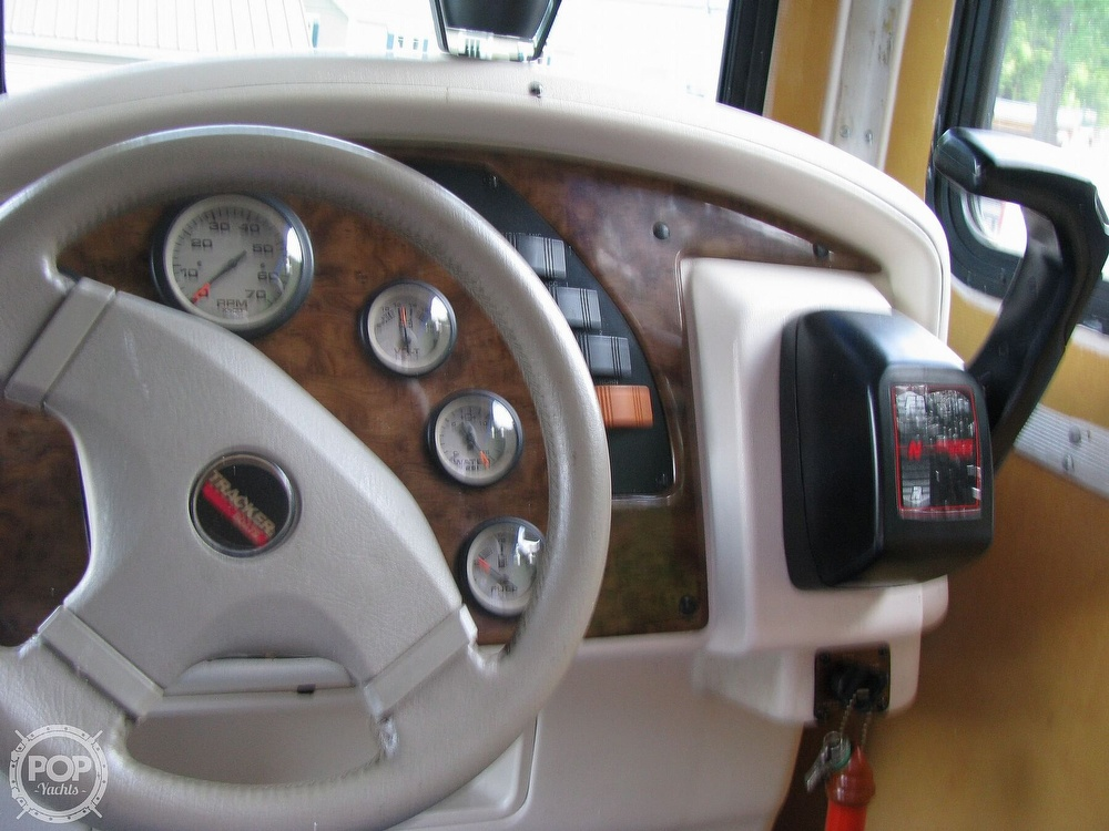 1999 Sun Tracker boat for sale, model of the boat is PC30 Party Cruiser & Image # 6 of 26