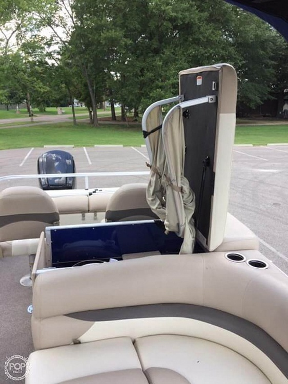 2016 Sun Tracker boat for sale, model of the boat is Fishing Barge 22DLX & Image # 15 of 41