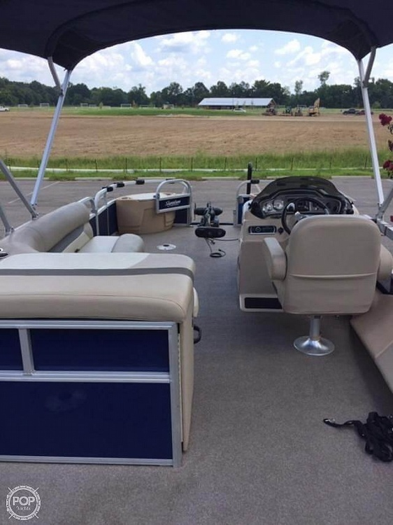 2016 Sun Tracker boat for sale, model of the boat is Fishing Barge 22DLX & Image # 38 of 41