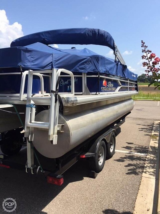 2016 Sun Tracker boat for sale, model of the boat is Fishing Barge 22DLX & Image # 41 of 41