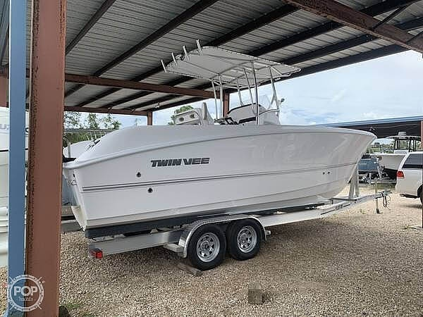 2020 Twin Vee boat for sale, model of the boat is 240 CC & Image # 4 of 6