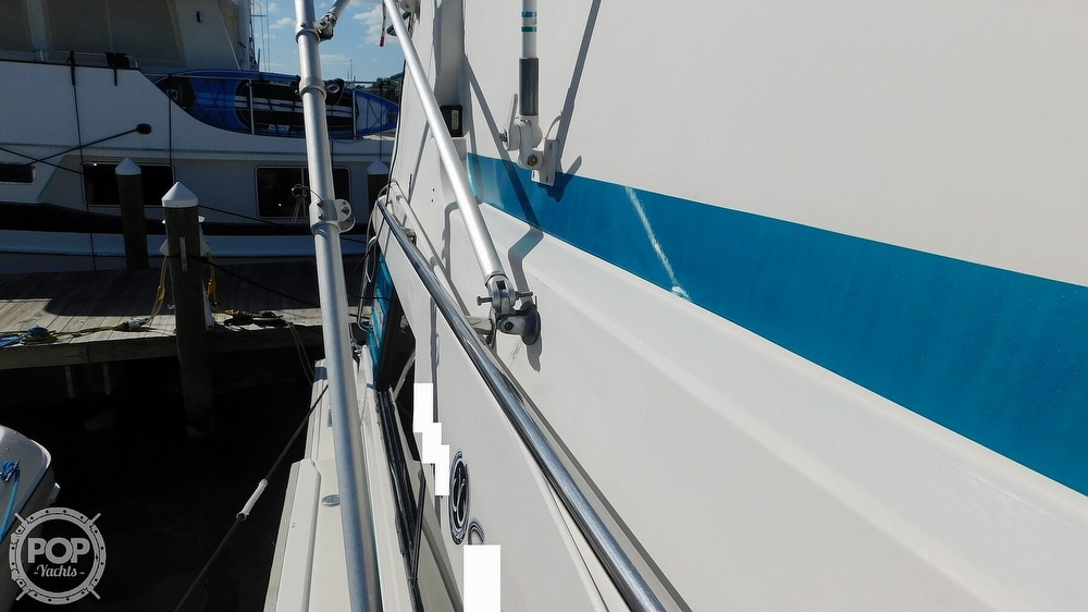 1987 Luhrs boat for sale, model of the boat is 400 Tournament & Image # 21 of 40